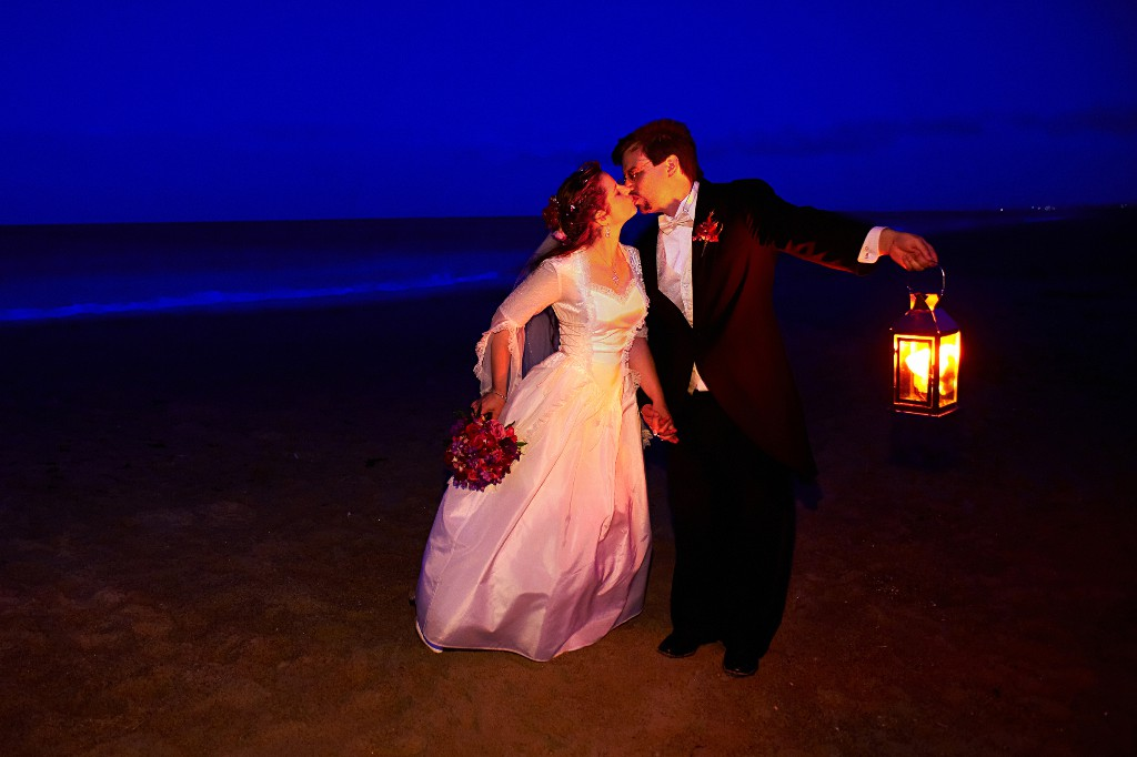 bride-groom-seabrrok-beach